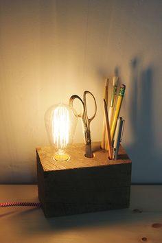 Poppytalk: DIY   Wooden Base Desk Lamp