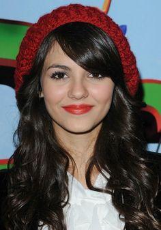 !!! Perfect red lip !!! / Victoria Justice