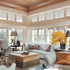 Casually elegant living room from Circa Interiors Jane Schwab & Cindy Smith Elegant Living Room, Beautiful Living Rooms, Beautiful Interiors, Home Interior Design, Interior Styling, Sunroom Decorating, Sunroom Ideas, Home And Living, Family Room