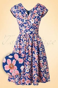 Retrolicious ~ Greta Floral Dress in Blue Summer Dresses With Sleeves, Blue Dresses, 50 Fashion, Vintage Fashion, Womens Fashion, Floral Fashion, Frankenstein, Pin Up Style, My Style