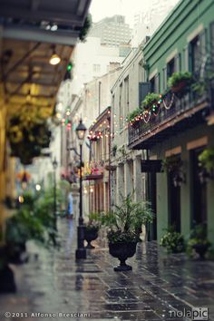 Exchange Alley, New Orleans. #NewOrleans #TravelGuide #ColorfulPlaces