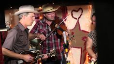 Foghorn Stringband - Don't This Road Look Rough and Rocky (Live @Pickath...