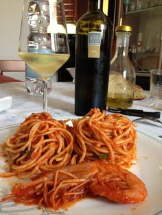 Self made Spaghetti with shrimp. We love to drink white wine with all the #seafood: that one was Opale, from #Sardinia