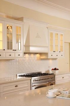 French Provincial Kitchen - Galleries - Harrington Kitchens Pty Ltd