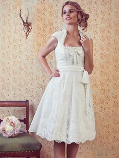 Couture Brautdirndl Tain van Tastique modell geneve German Wedding, Country Girls, Traditional Dresses, Couture, White Dress, Flower Girl Dresses, Girly, Bride, Wedding Dresses