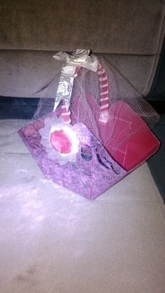 An adorable pink basket. The best handmade gift for your girlfriends..
