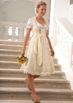 Marjo Dirndl midi mit Tüllschürze in creme im Universal Online Shop Beautiful Dresses, Nice Dresses, Flower Girl Dresses, Trends 2016, Dandy Style, Dirndl Dress, Girls White Dress, Alternative Wedding Dresses, Medieval Dress