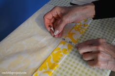 how to sew DIY blackout curtains. Loved her pointer on making it look like pinched pleats. Sewing Hacks, Sewing Crafts, Sewing Projects, Diy Projects, Sewing Diy, Diy Blackout Curtains, Diy Curtains, Curtain Tutorial, Homemade Curtains