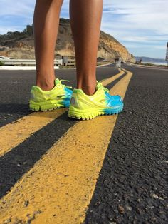 7030eeb3cee Оригинальные женские кроссовки Brooks Vivid просмотреть кроссовки   www.airjordan.by Заказать кроссовки