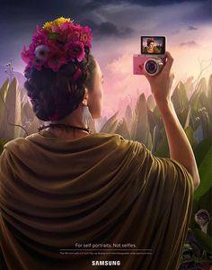 Pour promouvoir son nouvel appareil photo, Samsung vient de lancer une ingénieuse campagne d'affichage mettant en scène les artistes les plus iconiques entrain de prendre un selfie.