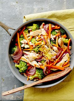 Sauté, sear, or stir-fry your way to an amazing chicken dinner with the help of your trusty skillet. Seasonal ingredients and time-saving techniques are the secrets to these fast and satisfying chicken skillet recipes. Chicken Skillet Recipes, Easy Chicken Dinner Recipes, Chicken Dips, Skillet Meals, One Dish Dinners, One Pot Meals, Weeknight Dinners, Sauteed Vegetables, Chicken And Vegetables