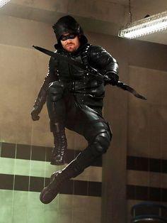 Love this move-Green Arrow Arrow Cw, Arrow Oliver, Team Arrow, The Vampire Diaries, Teenage Mutant Ninja Turtles, Ncis, New Girl, The Flash, Hobbit