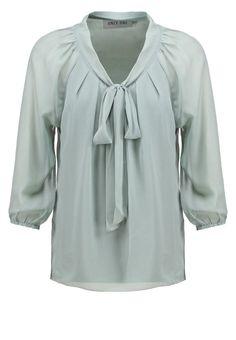 Ob Büro oder Freizeit, diese Bluse kleidet dich. ONLY ONLLUX PARTY - Bluse - slate grey für 26,95 € (17.11.15) versandkostenfrei bei Zalando bestellen.