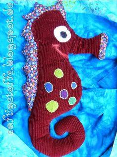 Herr Seepferdchen - aus rotem Cord-Stoff und Filz