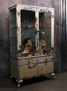 Cabinet de curiosité. #InteriorDesign