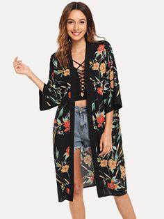 To find out about the Open Front Botanical Print Longline Kimono at SHEIN, part of our latest Kimonos ready to shop online today! Kimono Fashion, Boho Fashion, Fashion Outfits, Fashion Trends, Teen Fashion, Fashion Women, Gilet Kimono, Kimono Top, Kimono Cardigan
