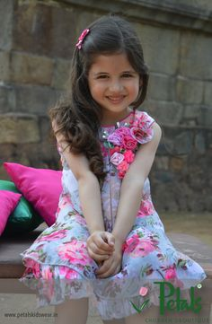 © 2014 Petals Kids Wear Pvt Ltd. All Rights Reserved. Cute Little Baby Girl, Cute Baby Girl Images, Little Babies, Cute Babies Photography, Animated Love Images, Child Actors, Modern Kids, Children's Boutique, Beautiful Children