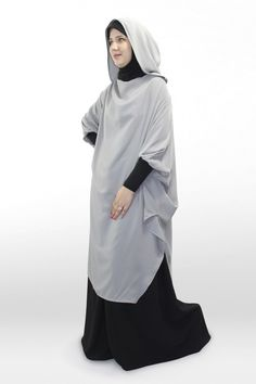Young tunic, simply wear it to be well dressed! Modern Abaya, Modele Hijab, Abaya Designs, Beautiful Hijab, Well Dressed, Hijab Fashion, Muslim, Sportswear, Couture