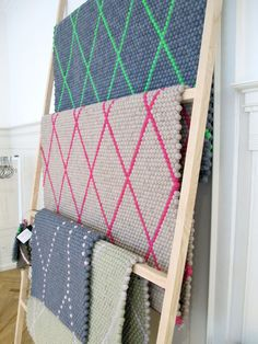 Good way to display fabric samples