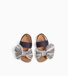 Image 5 of SANDALS WITH BOW from Zara