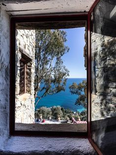 Quintessence de La Dolce Vita - Your Life is Your Window View, Open Window, Ventana Windows, Through The Window, Belle Photo, Windows And Doors, Ibiza, Travel Inspiration, Travel Photography