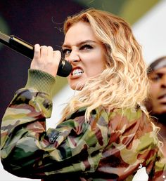 Perrie performs at V Festival - 20/08/16.