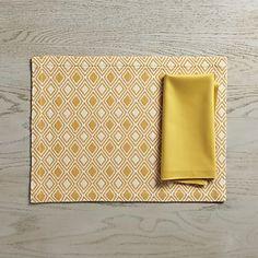 Zahara Yellow Placemat and Fete Mustard Napkin