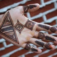 Brides love to get their hands decorated with mehndi, grooms on the contrary, usually prefer simple mehndi. Here are some latest groom mehndi designs 2020 that we love! Mehndi Designs Book, Mehndi Designs For Girls, Mehndi Designs For Beginners, Modern Mehndi Designs, Dulhan Mehndi Designs, Mehndi Design Pictures, Mehndi Designs For Fingers, Mehndi Patterns, Latest Mehndi Designs