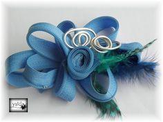 cremallera en color azul e hilo de aluminio