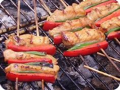 Skewers, Yummy Food, Delicious Recipes, Bacon, Picnic, Bbq, Pork, Food And Drink, Cooking Recipes