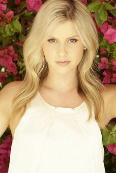 the vampire diaries clare holt  | Vampire Diaries Forever: Claire Holt va juca in sezonul 3 din Vampire ...