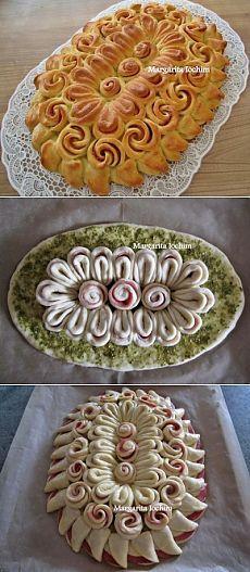 """Tort z ciasta drożdżowego z kiełbasą """"serwetka"""": Pieczenie pikantne"""