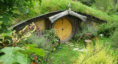 ¿Qué es una casa hobbit? #bioconstrucción #casascuriosas