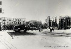 Plaza del Puente Bizkaia, Las Arenas, 1937.  A la izquierda el Hotel Antolín (Cedida por Javier Muro) (ref. 03836)