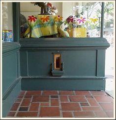 fairy door. Decorate it year round. UHh yes please.