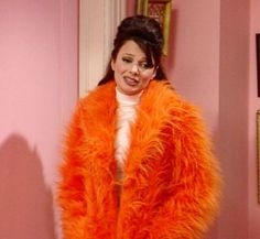 Orange faux fur from This episode has some of my favorite Fran outfits. Orange Aesthetic, Aesthetic Vintage, Aesthetic Fashion, Fran Fine The Nanny, Fran Fine Outfits, Nanny Outfit, Fran Drescher, Orange You Glad, Orange Fashion