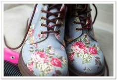 Floral Boots... Yes PLEASE!
