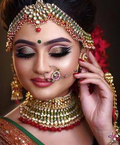 9 Sassy Bridal Eye Makeup Styles To Flaunt At Your Wedding Bengali Bridal Makeup, Indian Wedding Makeup, Wedding Eye Makeup, Indian Makeup Style, Indian Eye Makeup, Weeding Makeup, Arabic Makeup, Indian Beauty, Bridal Poses