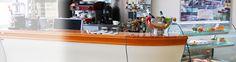 Vždy som chcel mať doma bar :D A stále chcem, to je môj teenagerský sen :D  http://www.jaz.sk/produkty/barove-moduly/511k/