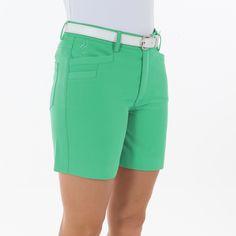 #Bermuda golf mujer.Fabricada en tejido Heat Swing. 2 bolsillos laterales y 2 traseros Tejido de gran elasticidad proporciona una total libertad de movimientos Logotipo Polo Swing Bordado Tallas: 36, 38, 40, 42, 44, 46.