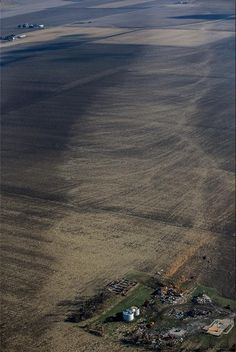 A rare view of a tornado's footprint is revealed in this aerial photograph of Washington, Ill., the day after an tornado tore through town. All Nature, Science And Nature, Amazing Nature, Tornados, Severe Weather, Extreme Weather, Natural Phenomena, Natural Disasters, Cool Pictures