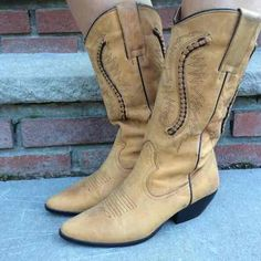 Great pair of Vintage Maine Woods Brushed leather Cowboy Boots