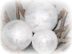 Leuchtkugeln 3er Set , weiß ★  Dekokugeln von Creativablue auf DaWanda.com