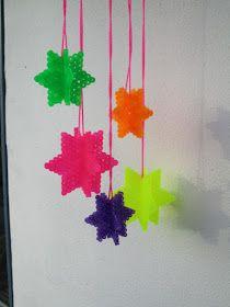 Glaphuset: Hama-neon udenfor