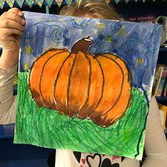 Grade Starry Night Pumpkins 🎃 Elements of the Kunstraum: Pumpkins of the class for the starr Halloween Art Projects, Fall Art Projects, School Art Projects, School Ideas, Kindergarten Art Lessons, Art Lessons For Kids, Art Lessons Elementary, Pumpkin Drawing, Pumpkin Art