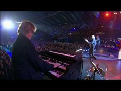 Yes at Rock Hall of Fame Induction 2017 - Owner of a Lonely Heart