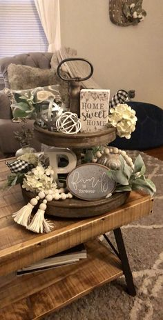 12 farmhouse spring decor ideas to consider - GODIYGO. - 12 farmhouse spring decor ideas to consider – GODIYGO.COM – Farmhouse decor outside - Modern Farmhouse Living Room Decor, Country Farmhouse Decor, Farmhouse Kitchen Decor, Farmhouse Ideas, Modern Room, Living Room Decor Ideas Vintage, Table Decor Living Room, Farmhouse Style Decorating, Country Homes