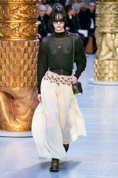 Chloé Fall 2020 Ready-to-Wear Collection - Vogue Fashion Week Paris, Fashion 2020, Runway Fashion, High Fashion, Catwalk Collection, Fashion Show Collection, Chloe, Vogue Paris, Backstage