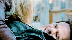 Colin O'Donoghue - Killian Jones - Captain Hook - Jennifer Morrison - Emma Swan - Once Upon A Time