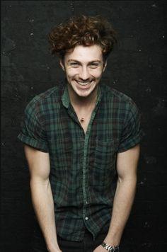 Ezra. Solo le hace falta tener el pelo un poquito más claro...